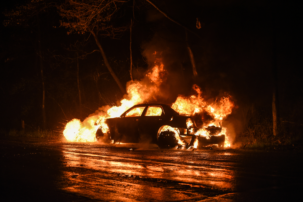 Umparken: Leipziger Polizei warnt vor linksextremistischen Autoabfacklern