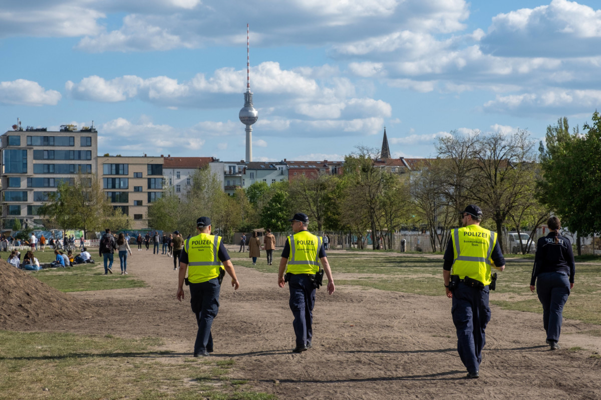 """Neue Schnapsideen aus dem Kanzleramt für """"Öffnungen"""": Auf und zu, auf und zu"""