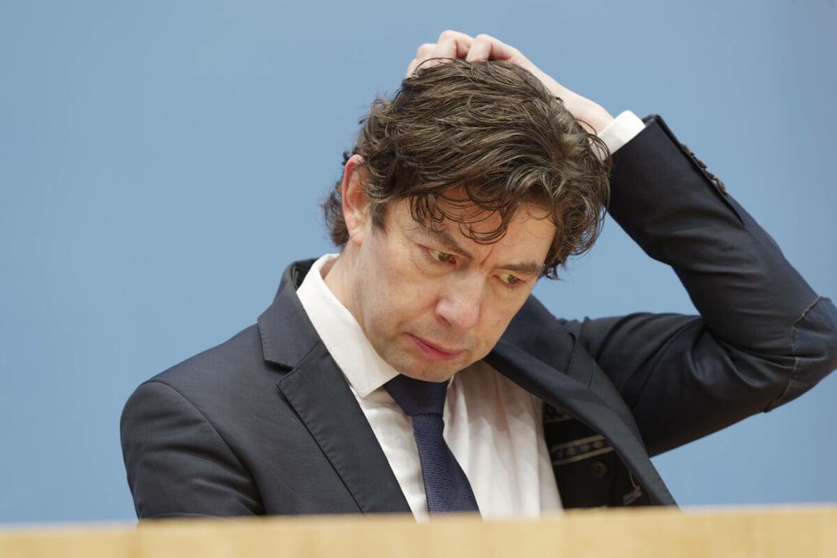 Was ist los, Herr Drosten? Treten Sie nun als Gutachter vor Gericht auf?
