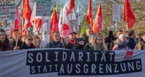 """Alle Wahljahre wieder - """"Breites Bündnis"""" hetzt gegen AfD (Symbolbild: shutterstock.com/G Von geogif)"""