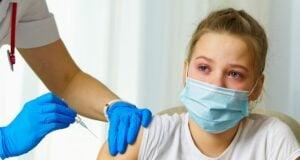 Impfung (Symbolbild: shutterstock.com/Von VidEst)